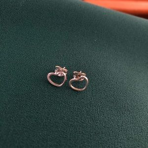Jewelry - Sterling Silver Heart Shaped Silhouette Earrings